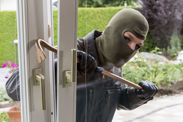 Mit dem richtigen Einbruchschutz verhindern Sie, dass Einbrecher leichtes Spiel haben.