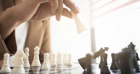 Schachspiel und Schachfiguren