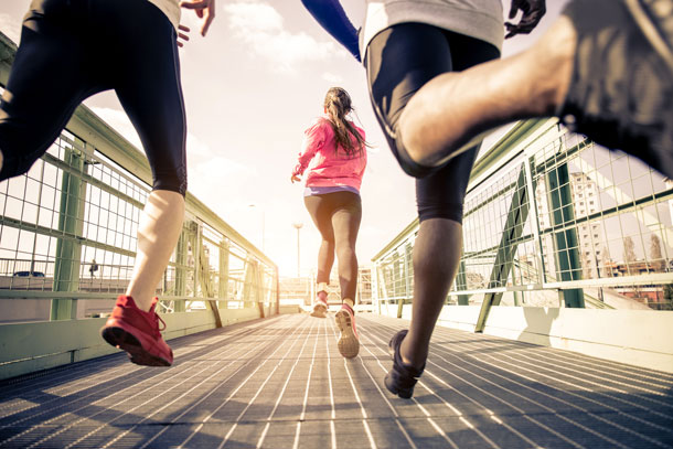 Jogger auf Brücke