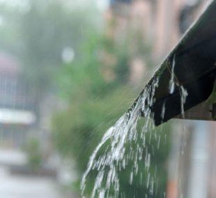 Anfallende Regenzeiten lassen sich dank professioneller Methoden auch in der Innenstadt genießen