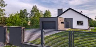 Modernes Haus mit Einbruchschutz