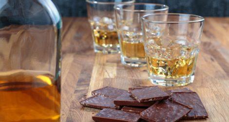 Schokolade und Whisky erfreuen den Gaumen.
